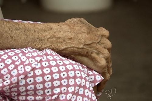 manos-de-anciana
